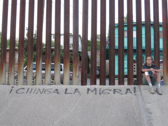 Julian Chinga la Migra.png